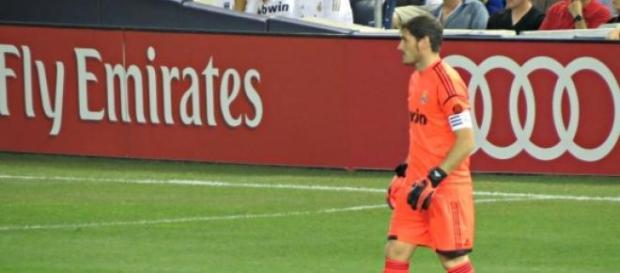 Casillas en un partido con el Real Madrid