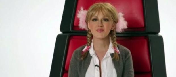 Christina imitando a Britney Spears