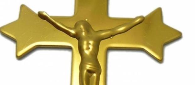 Padre deixa igreja para viver amor
