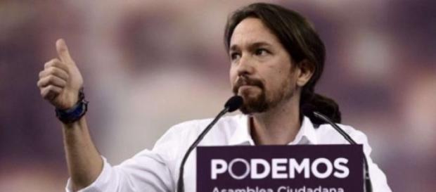 Podemos irrumpe en la escena política española.