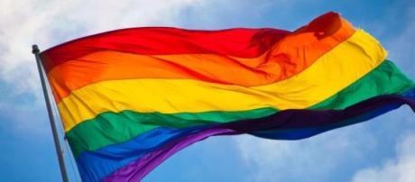 Irlandeses vão às urnas referendar casamento gay.