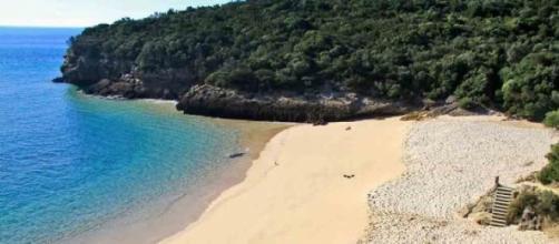 Praias da Arrábida com acesso condicionado