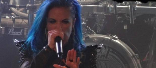 Arch Enemy em grande forma no Paradise Garage