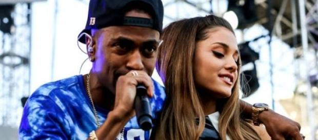 Ariana y Sean cantando a dúo.