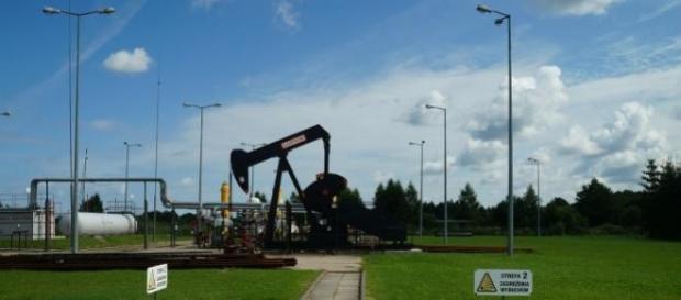 Circa 10 milioni di dollari al minuto al petrolio