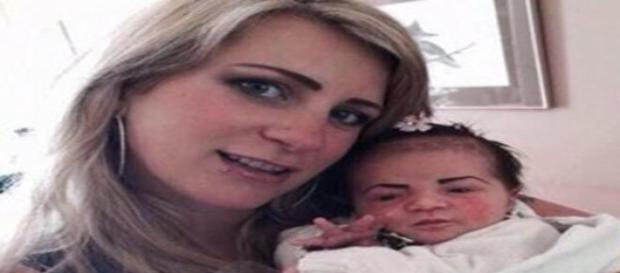 Foto da possível mãe e bebê