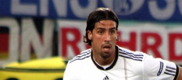 Khedira durante un partido con Alemania