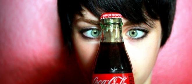 Há 10 coisas que pode fazer com Coca-Cola (e que você não sabia)