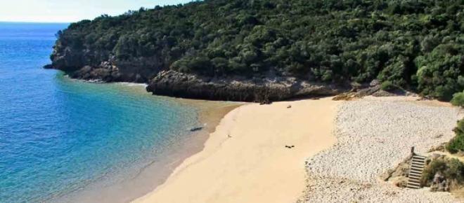 Acesso a praias da Arrábida condicionado a partir de 20 de Junho