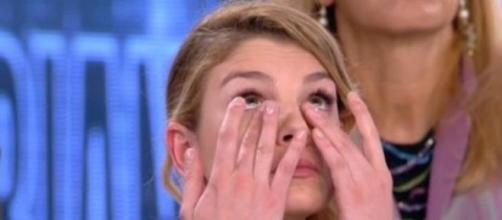 Emma amareggiata dalla perdita di Valentina.