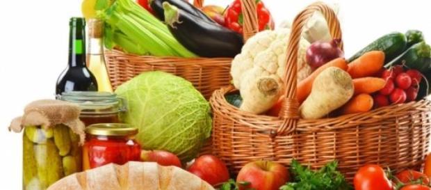 cesta de la huerta y productos ecológicos