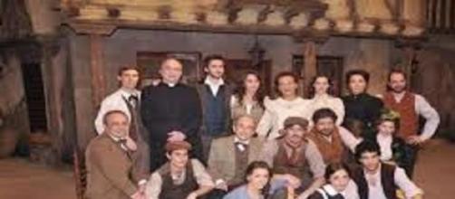 Foto di gruppo del cast della soap Il Segreto.