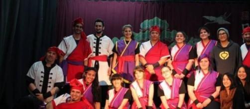 Grupo de Taiko rosarino, que danza Eisa