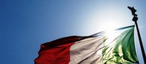La bandiera tricolore della Repubblica italiana