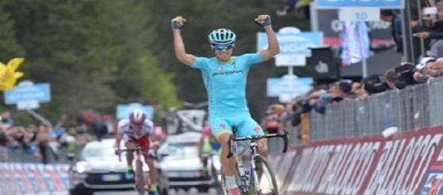 Mikel Landa gagne la 15e étape du Giro !