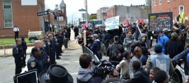 Protesta en Baltimore luego de la muerte de Gray