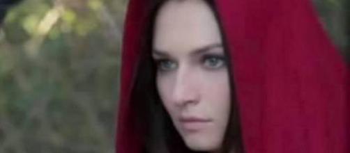 Le Tre Rose di Eva 3: Aurora è viva?