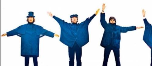 Capa de HELP! dos Beatles