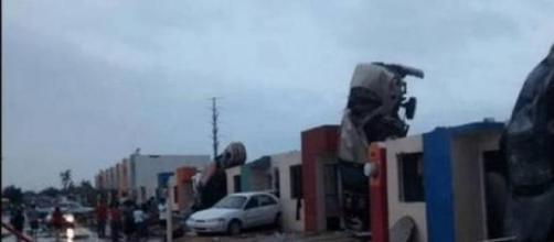 Imagens da destruição causada pelo tornado.