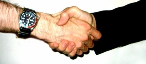La contratación temporal y por honorarios