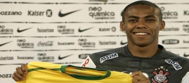 O jogador Elias recusa proposta do Flamengo