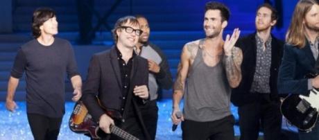 Maroon 5 have 'Stereo Hearts.'