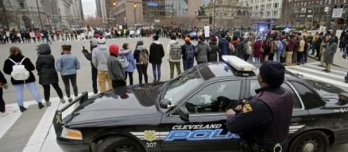 La police de Cleveland devra suivre les règles.
