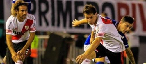 Mora y Ponzio, en el partido de ida.
