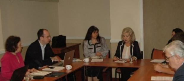 doamna dr Mihaela Curescu conferențiază despre HVC