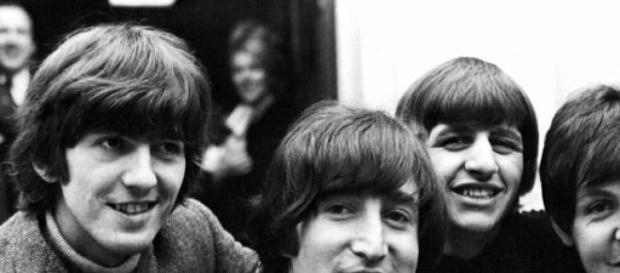 Los Beatles consideraban grabar con otro productor