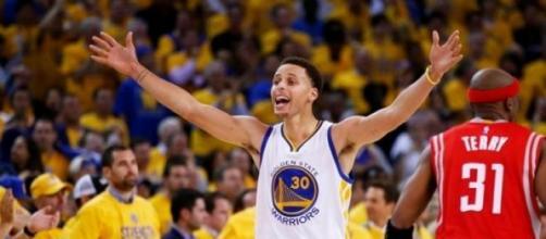 Curry qualifie les siens pour les finales NBA