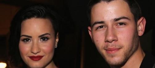 Demi Lovato e Nick Jonas confirmam parceria