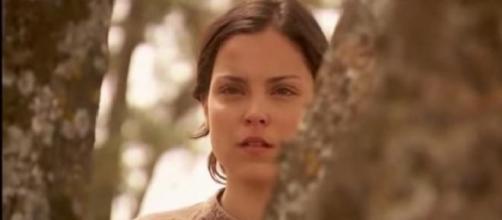 Jacinta assiste al funerale di Tristan