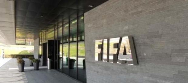 FIFA implicată în cel mai mare scandal de corupţie