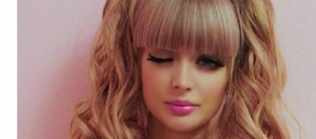 La Barbie umana Angelica Kenova -foto pagina Fb