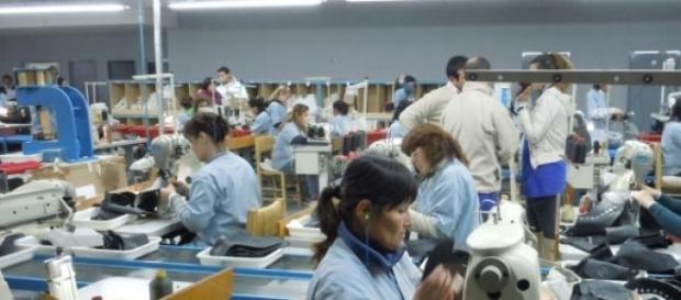 Las fabricas de textiles continuan en descenso