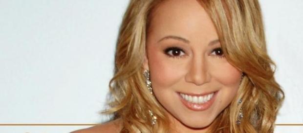 Mariah Carey em evento de lançamento de álbum.