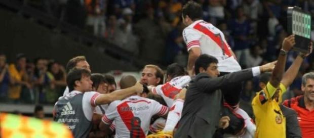 River festejando su clasificación a semifinales