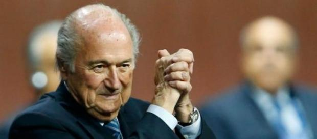 Sepp Blatter obejmuję kolejną prezydenturę w FIFA