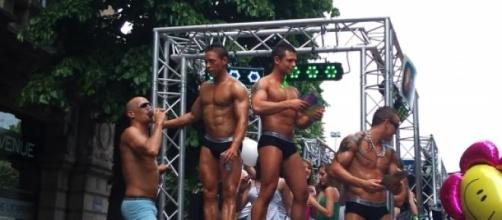 La gay pride est un événement annuel.