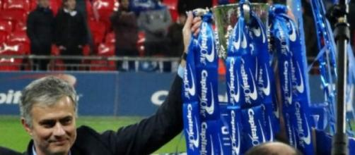 Mourinho e Chelsea vencem Premier League