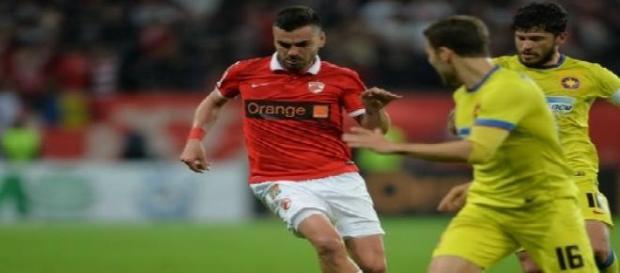 Marius Alexe surprins în jocul cu Steaua București