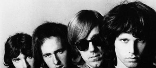Republican dos álbumes de The Doors sin Morrison