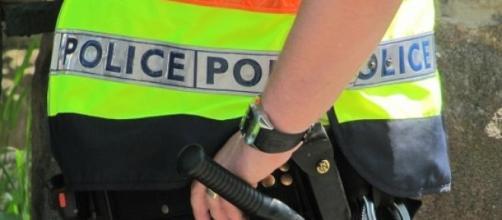 Un officier de police en service
