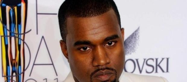 Kanye West gera polémica em Inglaterra