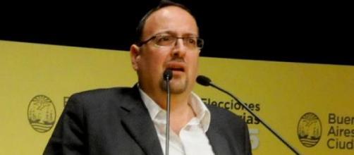 Javier Buján, el funcionario baleado.