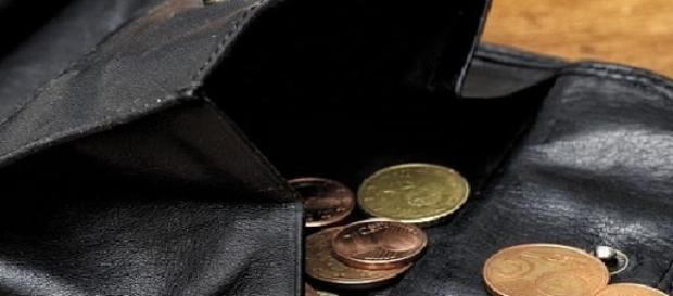 Salariul minim în România este extrem de scăzut