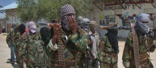 Les shebabs massacrent les Somaliens.
