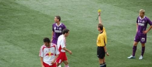 Os árbitros erram, tal como os jogadores e adeptos