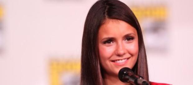 Nina Dobrev é Elena em Diários do Vampiro